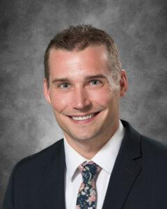 Dr. Taylor Reif headshot